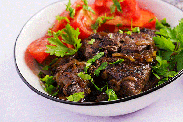 roasted-or-grilled-beef-liver-with-onion-and-4Y62ETS